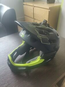 Bell super 3r helmet size medium removable chin bar guard mips