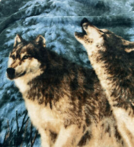 """Northwest Company Throw Howling Wolves Blanket James Hartman 47"""" x 58"""" Snow"""