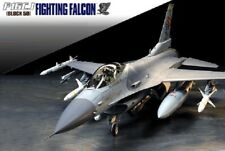 Tamiya 1/32 F16CJ Block 50 Fighting Falcon Aircraft TAM60315