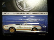 HW HOT WHEELS 2015 REAL RIDERS  #16/18 '68 OLDSMOBILE CUTLASS HOTWHEELS WHITE