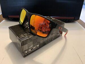 Oakley OO9102 Holbrook Polarized Sunglasses
