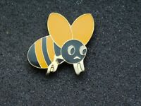 VINTAGE METAL PIN  BUMBLE BEE