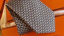 HERMES cravate en soie classique, neuf avec boîte de neiman-marcus