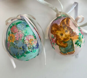 VINTAGE HAND PAINTED EASTER REAL EGG SHELL DECORATIONS BASKET TABLE, SET OF 2