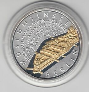 10 €  Goldapplikation - teilvergoldet   Museumsinsel  2002