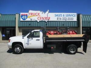 2007 GMC Sierra 3500HD 4X4 10' Dump Truck & Plow