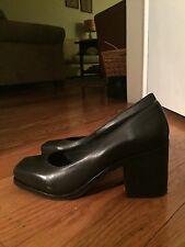 Cool Low Heel Woman's Shoe