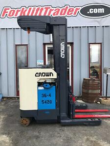 CROWN RR3520-35 3500LB ELECTRIC REACH TRUCK