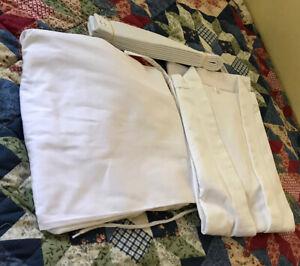 Martial Arts Karate TaeKwonDo Uniform Gi Student WHITE Sz 2/160