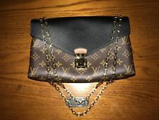 Louis Vuitton Pallas Chain Mono-Noir