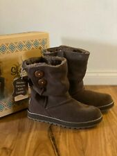 Brand new Brown Sketchers Warm Suede Leather Boots Size 6USA