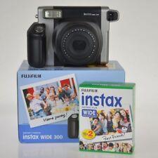 Fuji Instax Wide 300 + 20 foto l'alternativa a polaroid da Fujifilm - instantsto