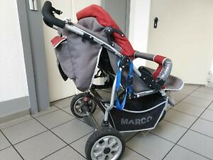 ssZwillingskinderwagen Marco Kinderwagen geht zusammen zu klappen.