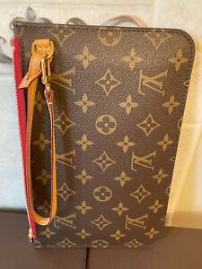 Louis Vuitton Monogram LV Neverfull Pochette Wristlet Wallet