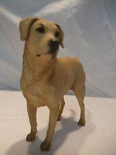 Statue de collection  - chien  LABRADOR SABLE