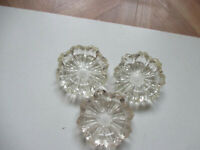 """Lot of 3 Vintage Clear Glass Thick Heavy Matching Ashtrays 3 5/16"""" Floral Design"""