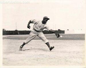 1946 Jackie Robinson Fielding Practice Montreal Royals Original TYPE II photo