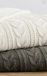 """Pottery Barn Cozy Cable Knit Throws 50""""X60"""" Sage Green"""