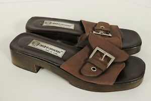 Andre Assous Flat Sandals Brown Buckle Strap Sz 7 Made Spain Wood Base Open Toe