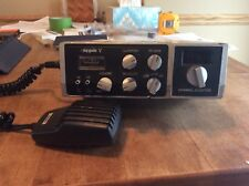HY-GAIN V Model 2705 40 Channel LSB, USB, AM, working with mic and mount