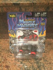 1:64 1933 Ford Chase Car MUSCLE MACHINES BLOWN / SUPERCHARGED