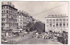 CPSM 69007 LYON Place Gabriel Péri avec PRISUNIC auto Edit TROLLIET ca1952