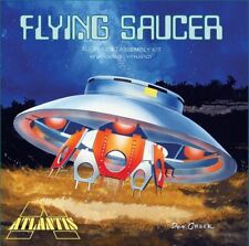 New Atlantis 1:72 Scale The Flying Saucer UFO Invaders Plastic Model Kit A256