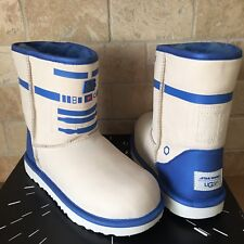 UGG Classic II R2-D2 Star Wars White Blue Short Boots Size US 6 Youth = Womens 8