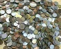 "CB565c) World mixed coins, unsorted. Contains a % of ""Holiday change"" 1kg."