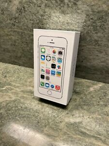 Apple iPhone 5s 16GB Silver A1533 (GSM Unlocked) - Great Condition