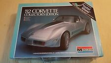 Vintage 1982 MONOGRAM Corvette 1/8 Scale Model Car Kit # 2606 Metal Glow Body