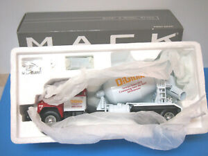 Mack R-Model Cement Mixer Truck DiGioia Brothers First Gear 1:34 19-2561