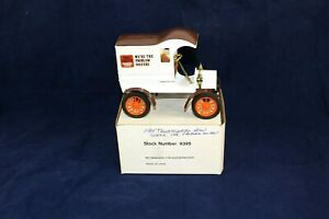 Ertl Trustworthy Hardware Stores 1905 Ford's First Delivery Car Bank 1:25