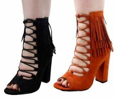Patternless Plus Size Wide (EE) Court Heels for Women