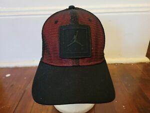 NIKE AIR JORDAN JUMPMAN Black & Red Mesh Snapback Hat