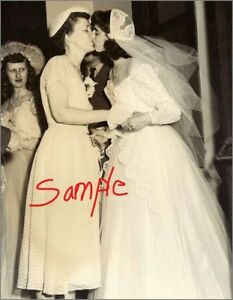 5 X 7 B & W Glossy Print Lesbian Couple c.1950 Photo Gay History