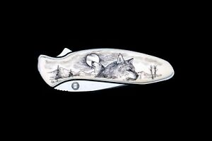 Scrimshaw Double Wolf Design Kershaw 1600 Chive Assisted Opening Pocket Knife