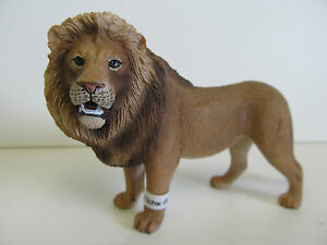 Schleich - Wild Life Series - Lion - Hand Painted Figure - Ages 3 and up