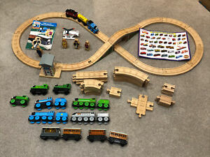 Learning Curve Thomas Figure Of 8 Stop and Go Wooden Railway +extra trains/track