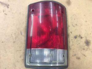 1995-2004 FORD E150 E250 E350 E450 EXCURSION RIGHT PASSENGER TAIL LIGHT LAMP