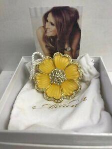 Melania Trump Gold tone Fashion Pin Brooch