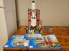 LEGO City Space Center 3368 - Minifigures and Manuals