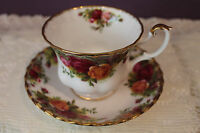 ROYAL ALBERT ENGLAND OLD COUNTRY ROSES TEA CUP AND SAUCER(S)