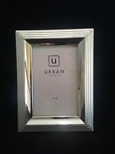Urban Trends Silver Picture Frame - Photo Size 4 X 6 - Lovely!