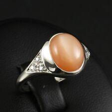 Moderner Ring mit Diamanten ca. 0,06 ct. und Mondstein ca. 8,6 x 10,4 mm