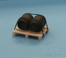 Wine Barrels (2) on Pallet - G Scale- 101-0053