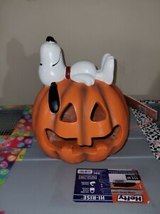NEW Peanuts Snoopy Light Up FALL Jack O Lantern Pumpkin Heavy Cramic Battery Op