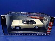 RICKO Lincoln Continental Convertible 1963  1:18 Scale