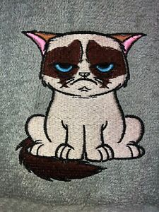Embroidered Gray Bathroom Hand Towel   GRUMPY CAT FROWNING HS1922