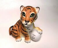 Boehm 1998 5in Tiger Woods Foundation Tiger On The 18th Hole Golf Figurine SP190